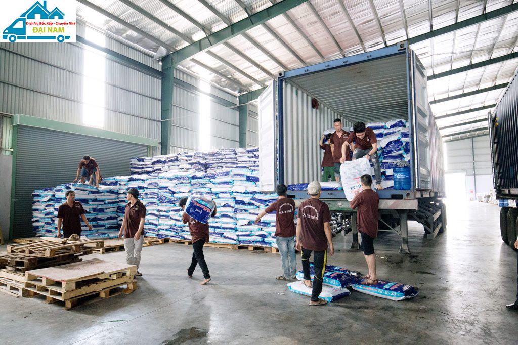 Bảng giá bốc xếp hàng hóa quận 11 trọn gói, uy tín tại Tphcm